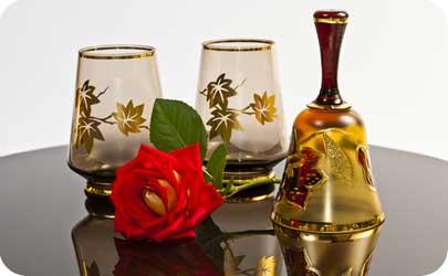 3 year modern anniversary gift list is glass